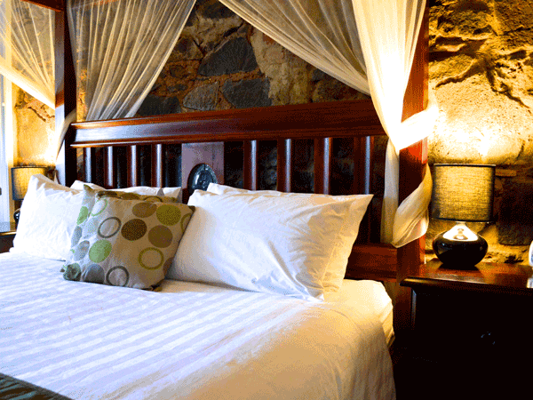 Little River Bed and Breakfast - Bluestone room